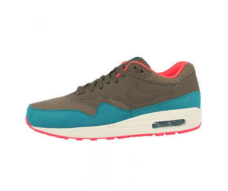 Кроссовки Nike Air Max 1 Essential