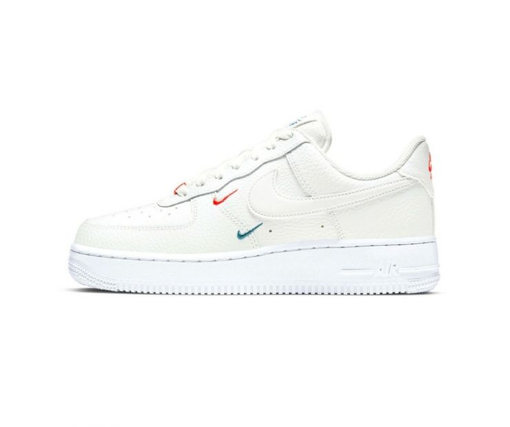 Женские Кроссовки NIKE AIR FORCE 1 07 ESS Summit White/Solar Red